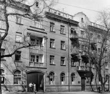 Жилой дом по ул. Ярославского, 28, 1952, арх. Е.Г. Вайнштейн. Одесса,1980-е гг.