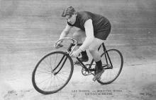 Сергей Уточкин на велотреке. Фотография на почтовой карточке