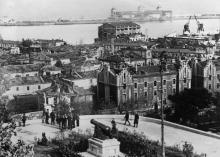 Вид на Одесский порт от Думской площади и памятника пушке. Начало оккупации, 22 октября 1941 г.