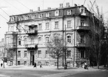 Одесса. Дом на углу улиц Карла Либкнехта и Свердлова (№ 10 по ул. Свердлова). 1980-е гг.