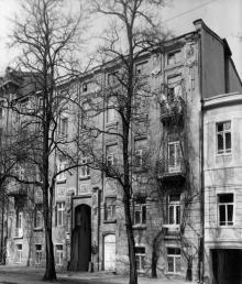 Дом № 17 по ул. Щепкина, 1903–1905, арх. В.А. Домбровский, Ф.А. Троупянский. Одесса. 1980-е гг.