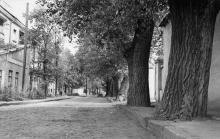 Конец Морской улицы. Слева дом, выходящий на ул. Уютную и официальный адрес которого ул. Уютная, № 1. Одесса. 1980-е гг.