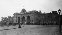 Вокзал и привокзальная площадь, 1917 г.