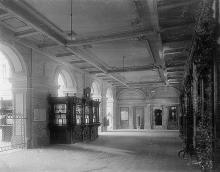 Вестибюль Одесской почтово-телеграфной конторы, фотография конца ХIХ - начала ХХ вв.