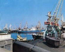 В Одесском порту. Фото в рекламном буклете «Одесский порт». 1970-е гг.