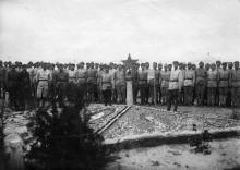 Красноармейцы и командный состав 7-го артвоздухоотряда в лагере в колонии Люстдорф. Одесса. 20 августа 1924 г.