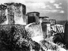 Ров главной оборонительной стены. Фотография в буклете «Белгород-Днестровская крепость». 1961 г.