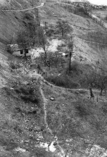 Обрыв под санаторием им. Чкалова после оползня 1963 года. Снимок сделан с лифтового подъемника. Из отчета Одесской оползневой станции. 14 октября 1963 г.