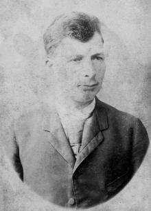 Никита Леонтьевич Езеров, отец Петра. 1894 г.