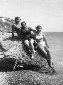 На пляже в Одессе. 1940 г.