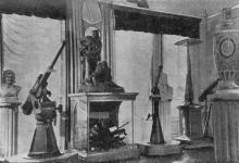 Часть экспозиции зала, посвященной героической обороне Одессы. Фото в путеводителе «Одесский государственный историко-краеведческий музей», 1959 г.