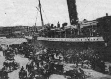 Эвакуация на пароходах. Фото в журнале «Огонек» № 43, 23 октября 1927 г.