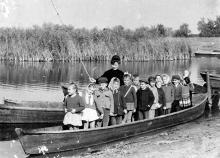 Воспитанники центрального детского сада на речке