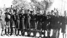 Футбольная команда на стадионе. Беляевка. 1957 г.