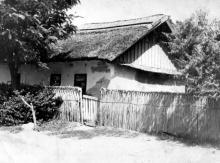 Беляевка. Дом № 5 на ул. Суворова. 1970-е гг.