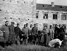Беляевка. Возле школы № 3 во время оккупации. 1942–1943 гг.