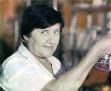 Заслуженный ветеран труда, старший лаборант центральной заводской лаборатории О.Ф. Верже. Фото в брошюре «Одесский суперфосфатный завод», 1986 г.