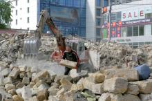 Александровский пр-т угол ул. Пантелеймоновской, демонтаж домов в «климовском квартале», фотограф В. Теняков, 25 апреля 2014 г.