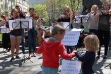 В Одессе каждый желающий может дирижировать оркестром