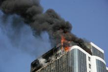 Масштабный пожар в элитной одесской высотке: пострадали двое спасателей