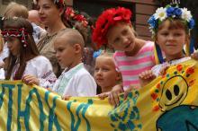 «Малюки на мегамарші»: вышиванковое шествие в Одессе